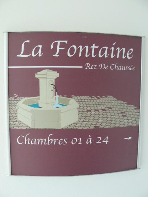 LA FONTAINE-REZ DE CHAUSSEE